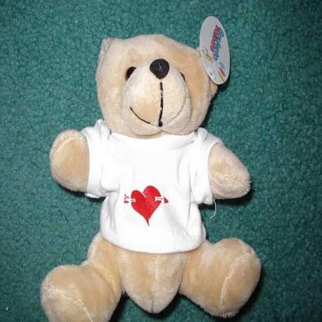 Osito con camiseta corazón partido